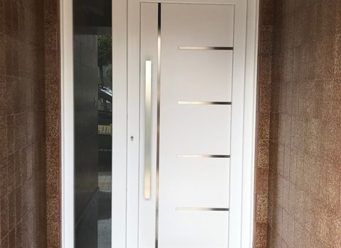 Puerta en PVC Columbrianos
