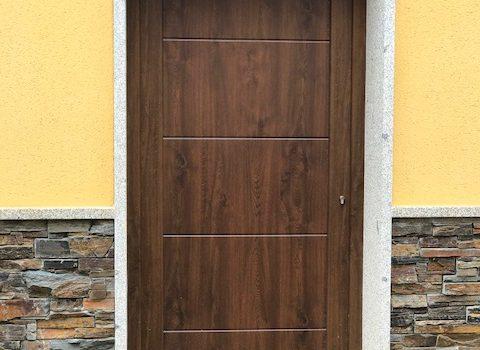 Puerta PVC San Pedro Castañero